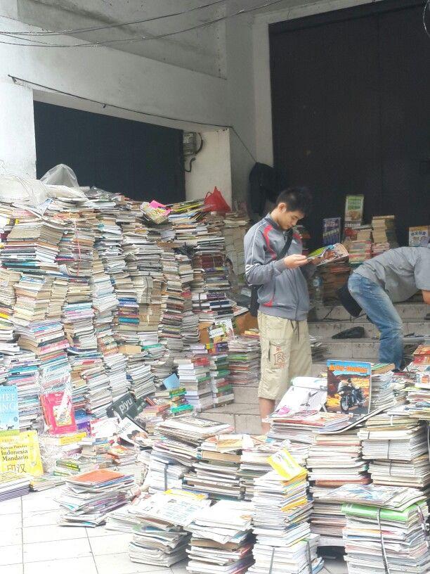 2nd hand book market. You can find comics, magazine, literature. Encyclopedia etc. Asemka Jakarta.