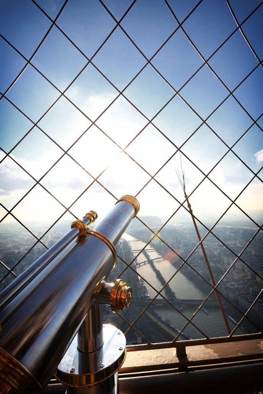 Eiffel Tower | byYannick Desmet| Website.