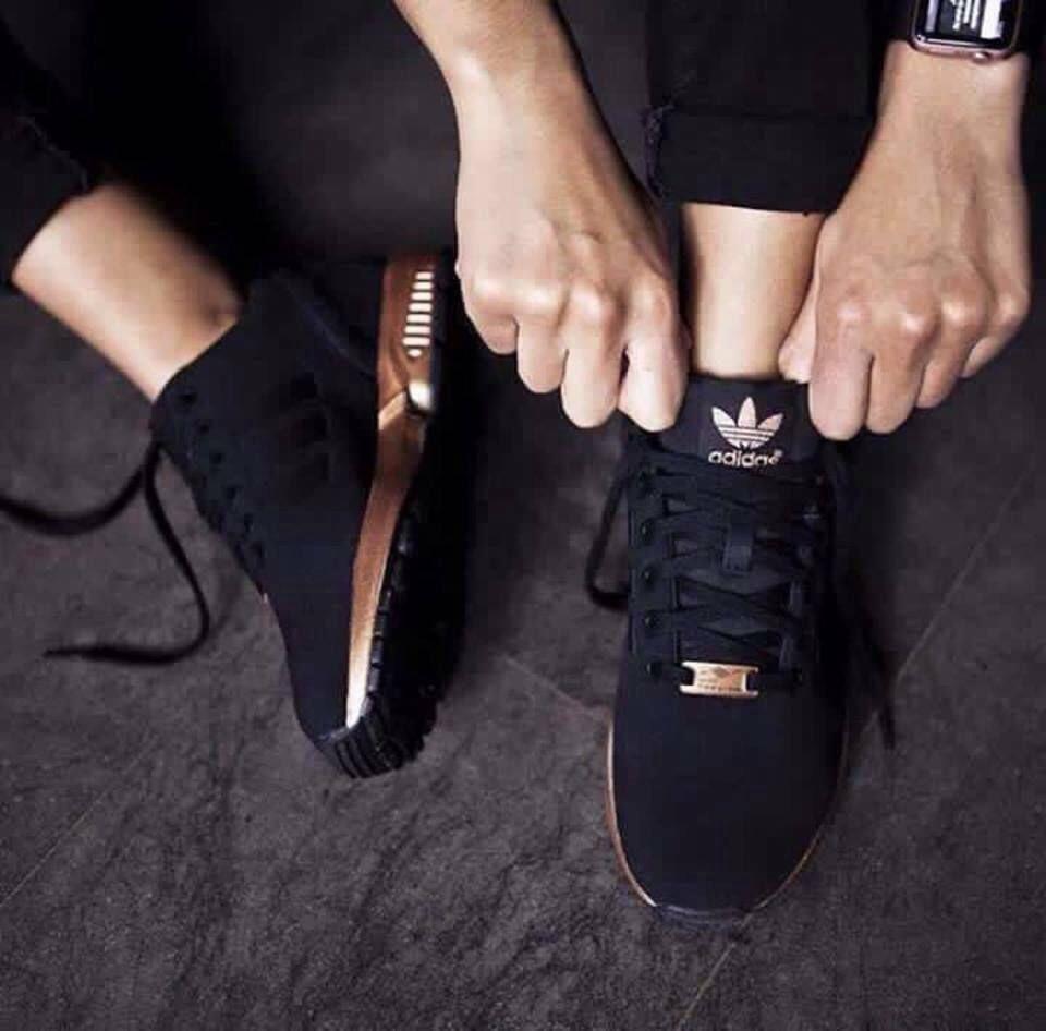 Pin By Emilia Krzyzanowska On Style Fashion Black Adidas Shoes Design Nike Shoes Adidas Women