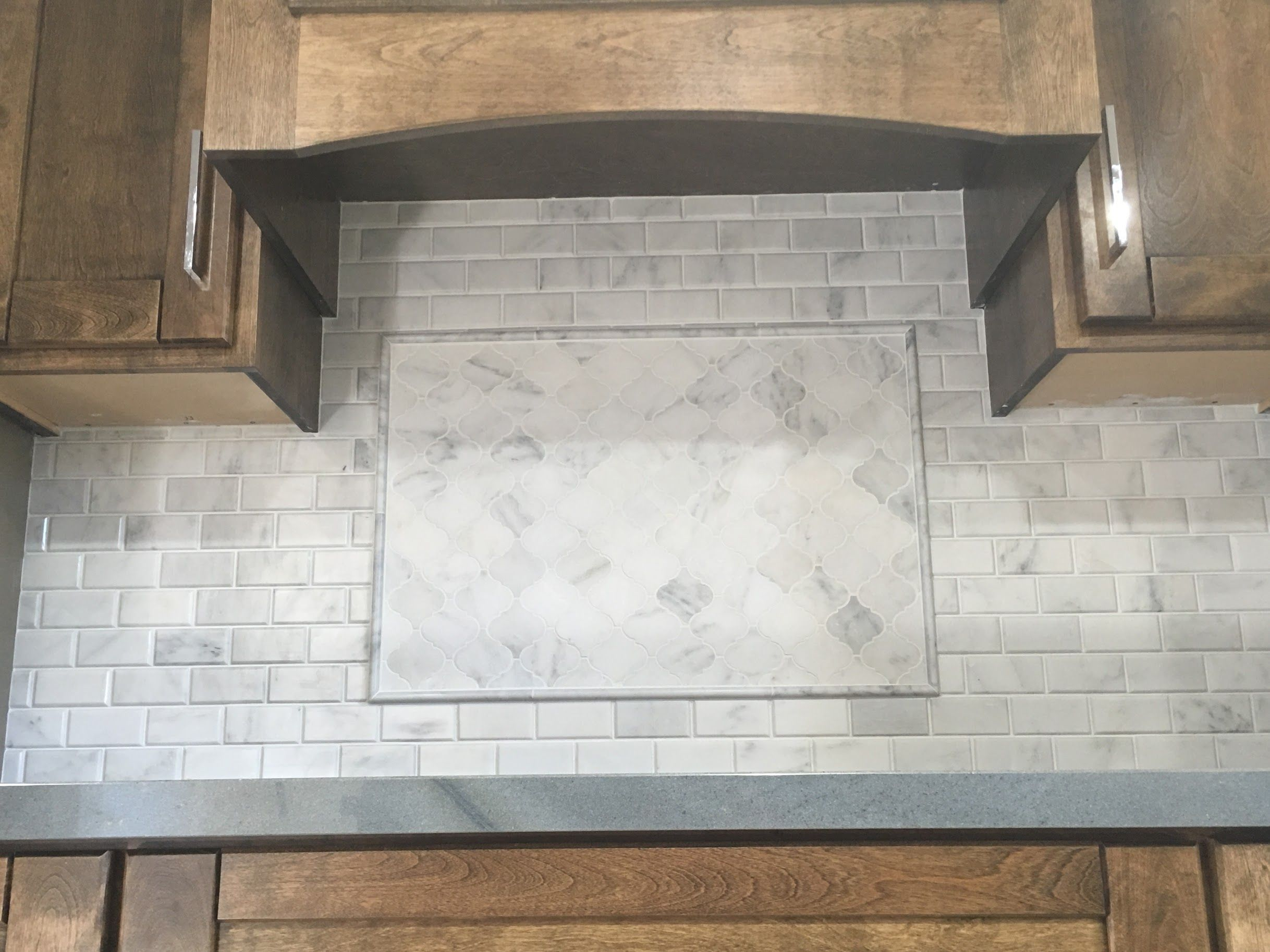 White Marble Kitchen Backsplash 3u201d Arabesque Lantern