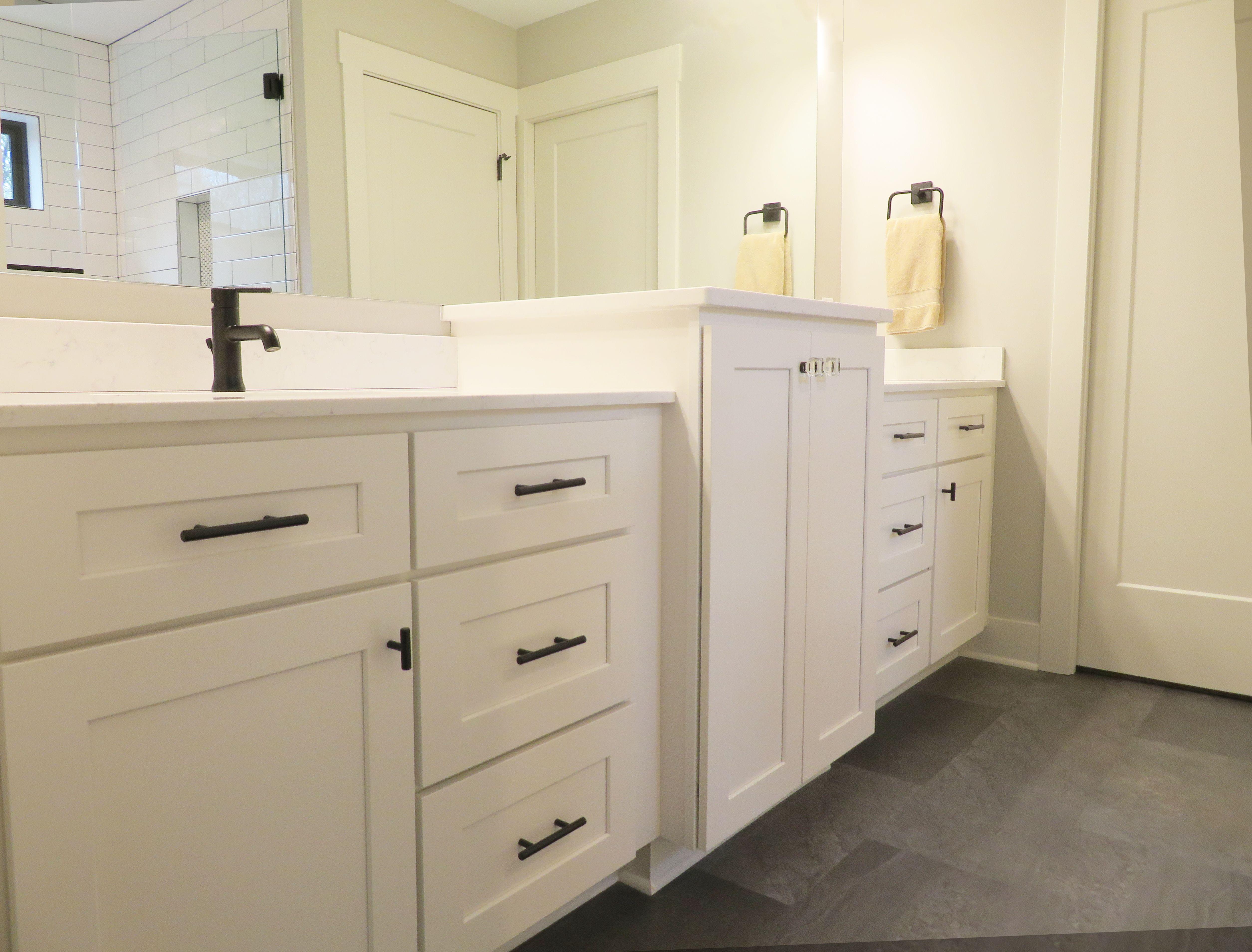 Cabinetry By River Run Desoto White Countertops By Vicostone In Misterio Bathroom Design Bathroom Layout Kitchen Design
