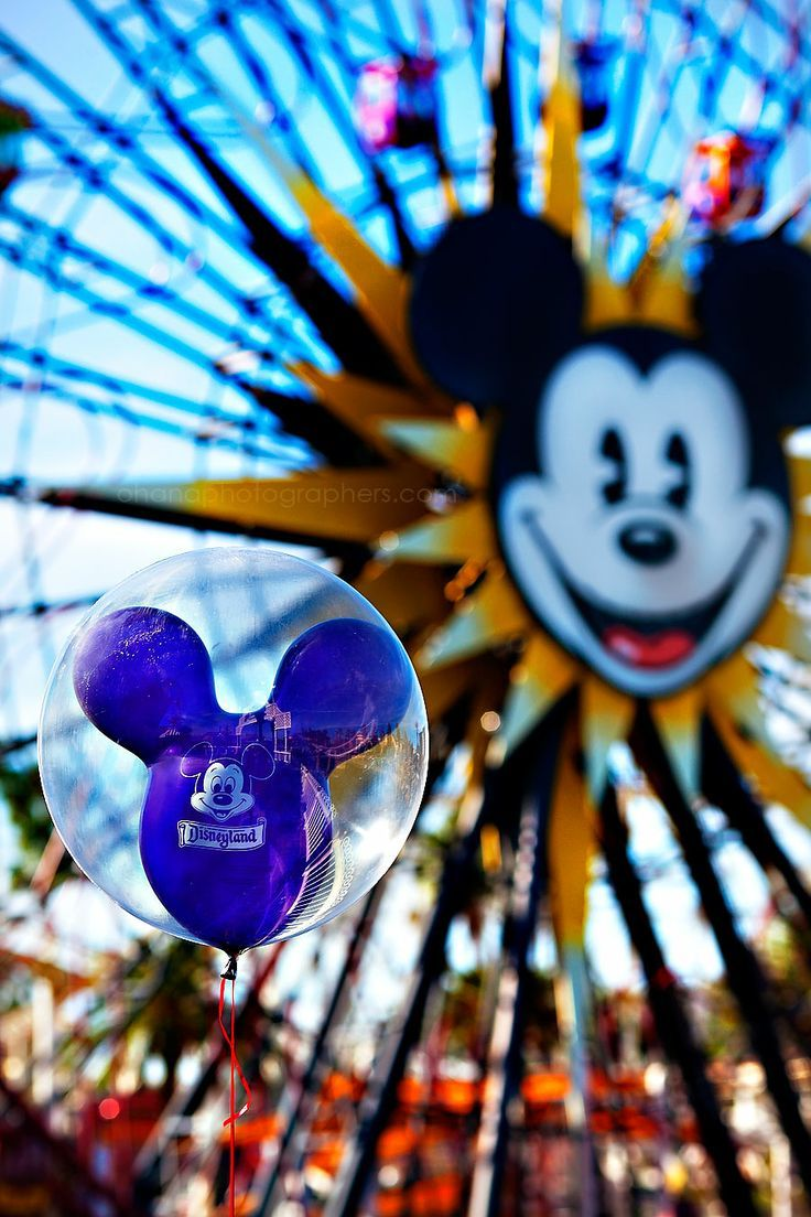Disneyland California Adventure Park // Mickeys Fun Wheel // Paradise Pier   - Disney -