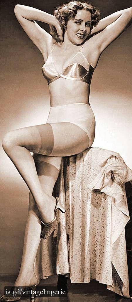 775ed06e25900 lingerie 1950 | Vintage Lingerie | Vintage underwear, Retro lingerie ...