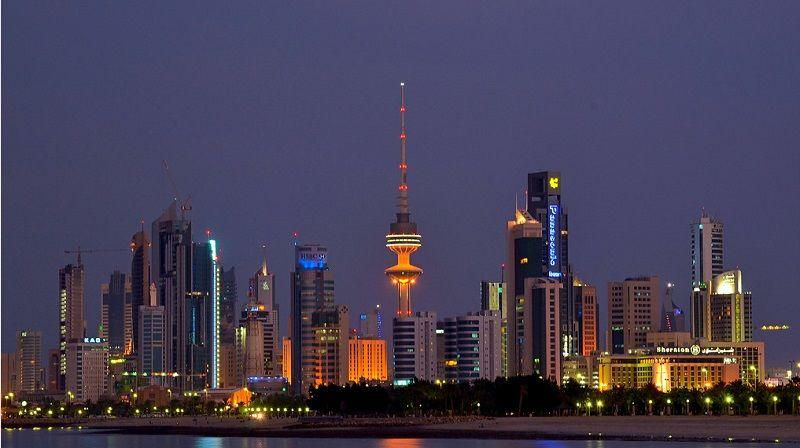 تقع الكويت في جنوب غرب قارة آسيا في الخليج العربي و تتميز بهذا الإسم الذي معناه القلعة أو الحصن و قد تم تأسيسها في القرن السابع Skyline Tower Seattle Skyline
