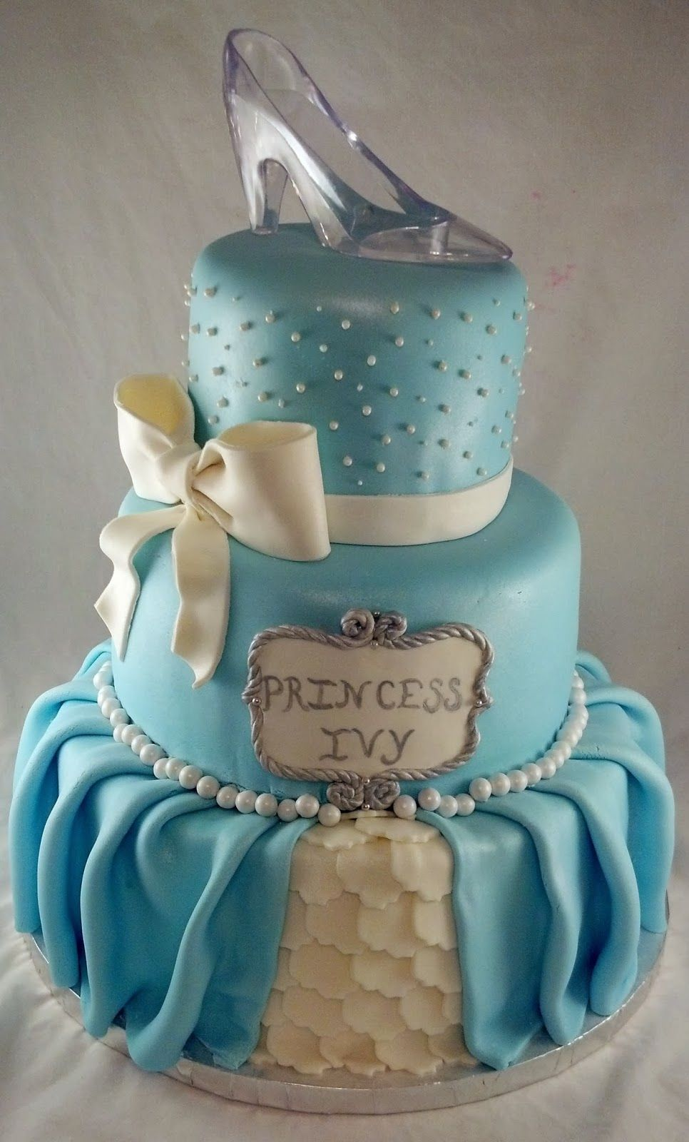 Sugar Amp Spice Sweets Cinderella Cake Love The Bow And