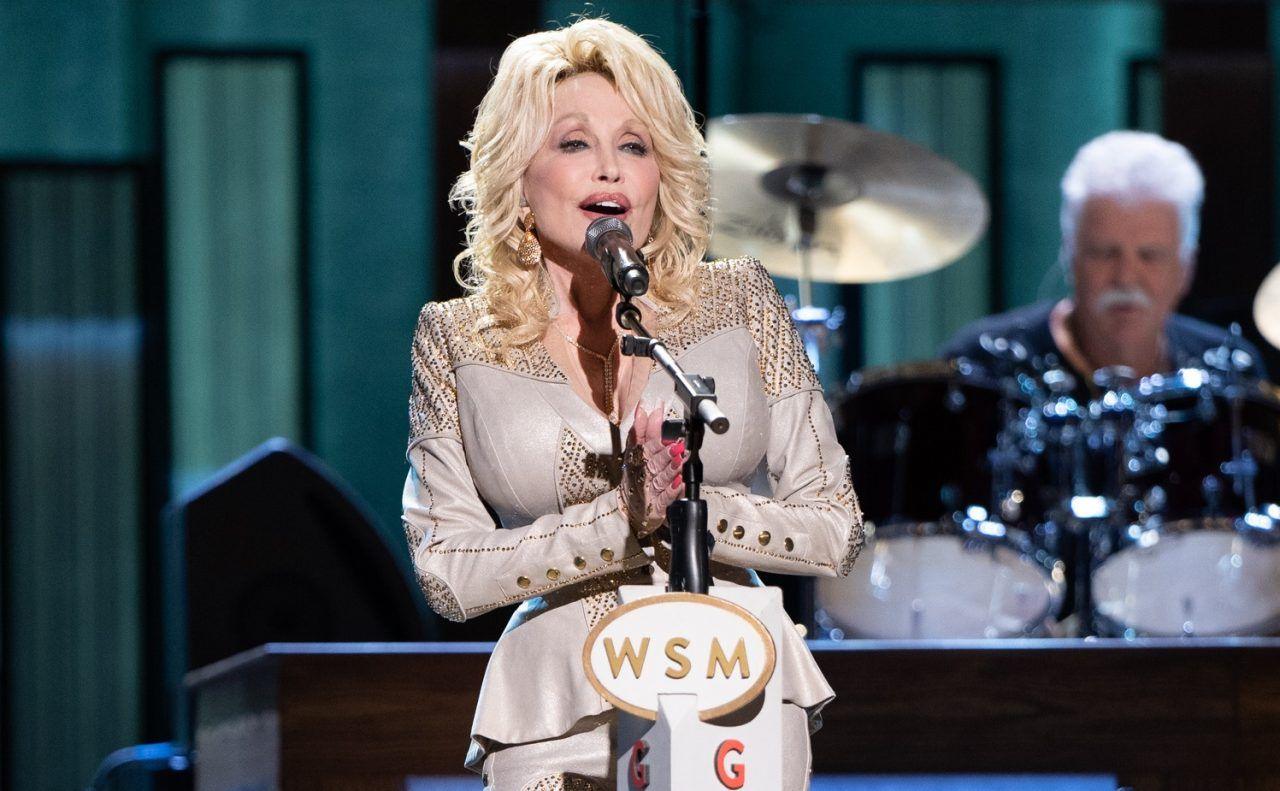 Dolly Parton Celebrates 50th Anniversary As An Opry Member Lady Antebellum Dolly Parton Opry