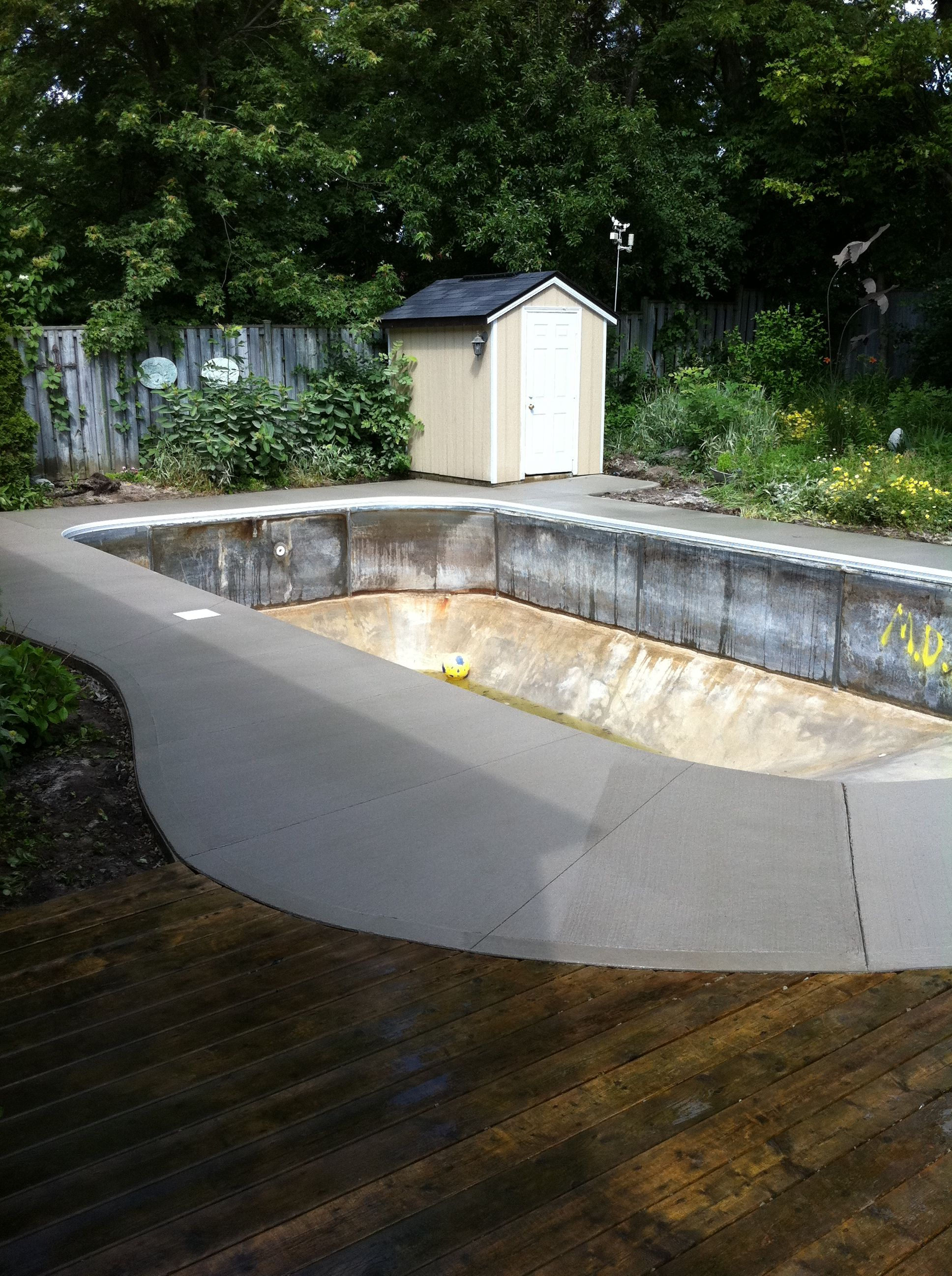Broom Finished Concrete Pool Deck In London Ontario Pool Deck