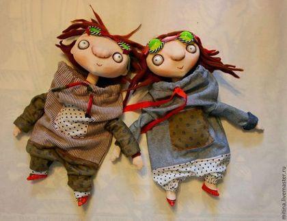 """Человечки ручной работы. Ярмарка Мастеров - ручная работа. Купить Авторские куклы """"Февральская парочка"""". Handmade. Разноцветный, комбинезон, кожа"""