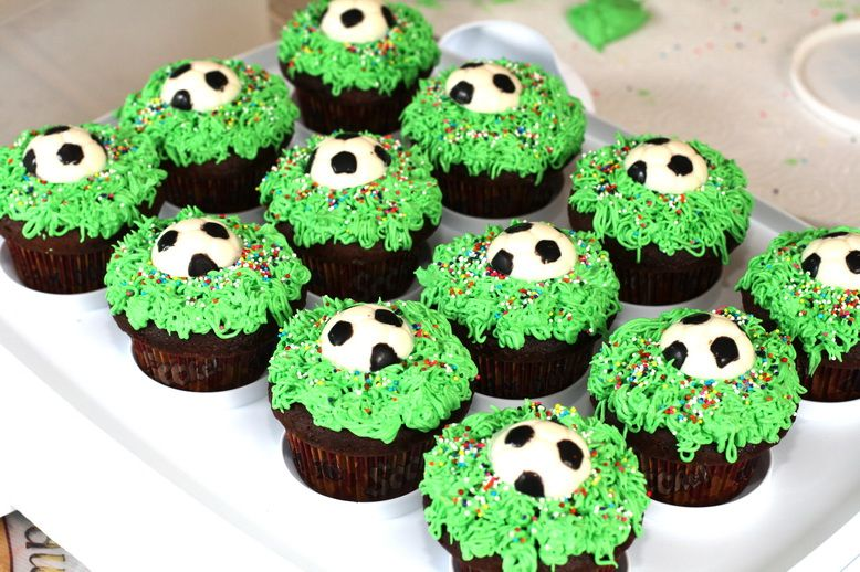 soccer cupcakes   Soccer Cupcakes   DoubleBugs
