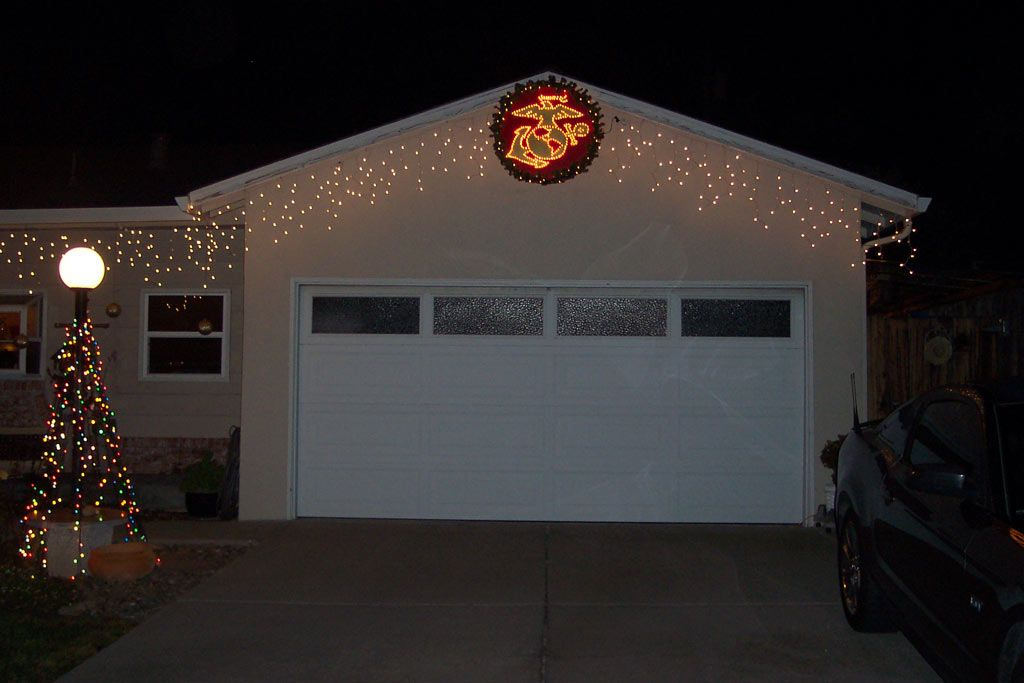 d4bdb936e35 Marine house with Christmas light and USMC wreath lit up at night ...