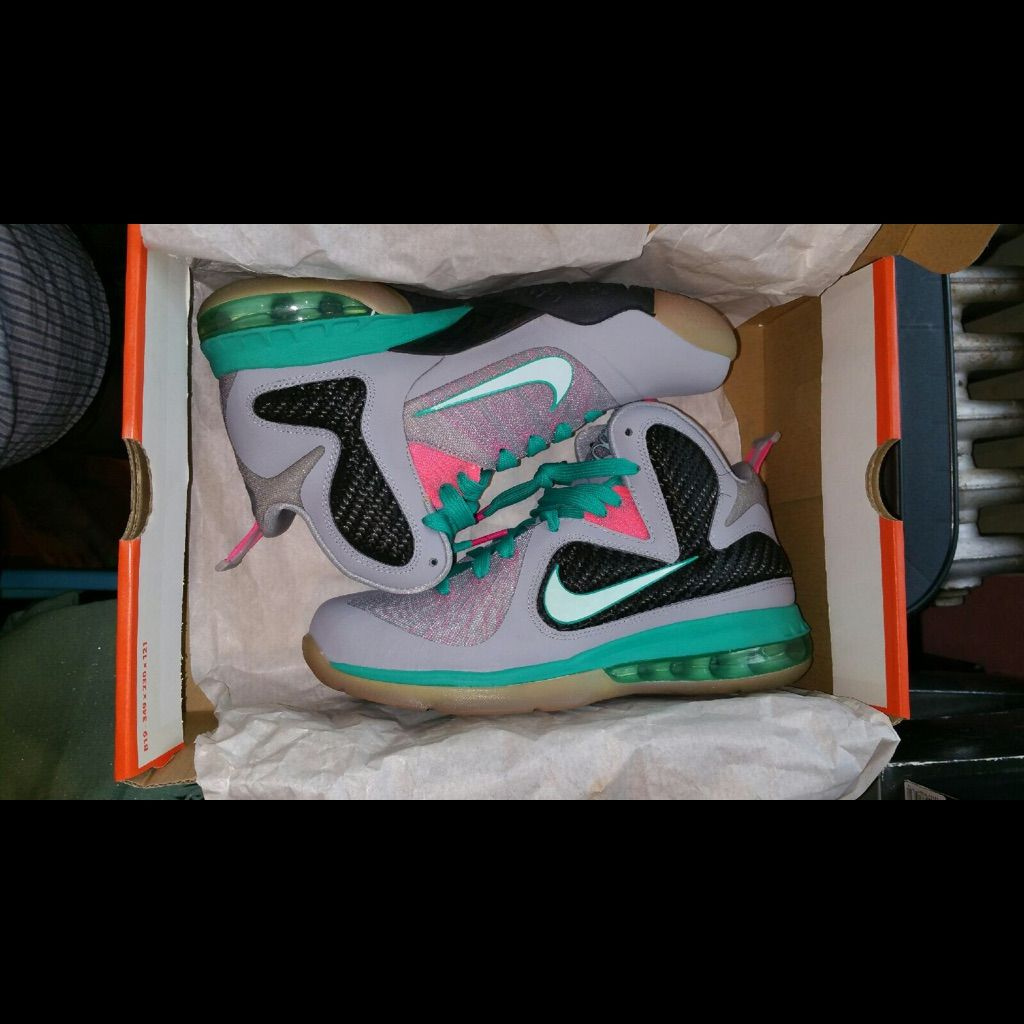Nike Shoes South Beach Lebron 9 S Color Gray Size 7