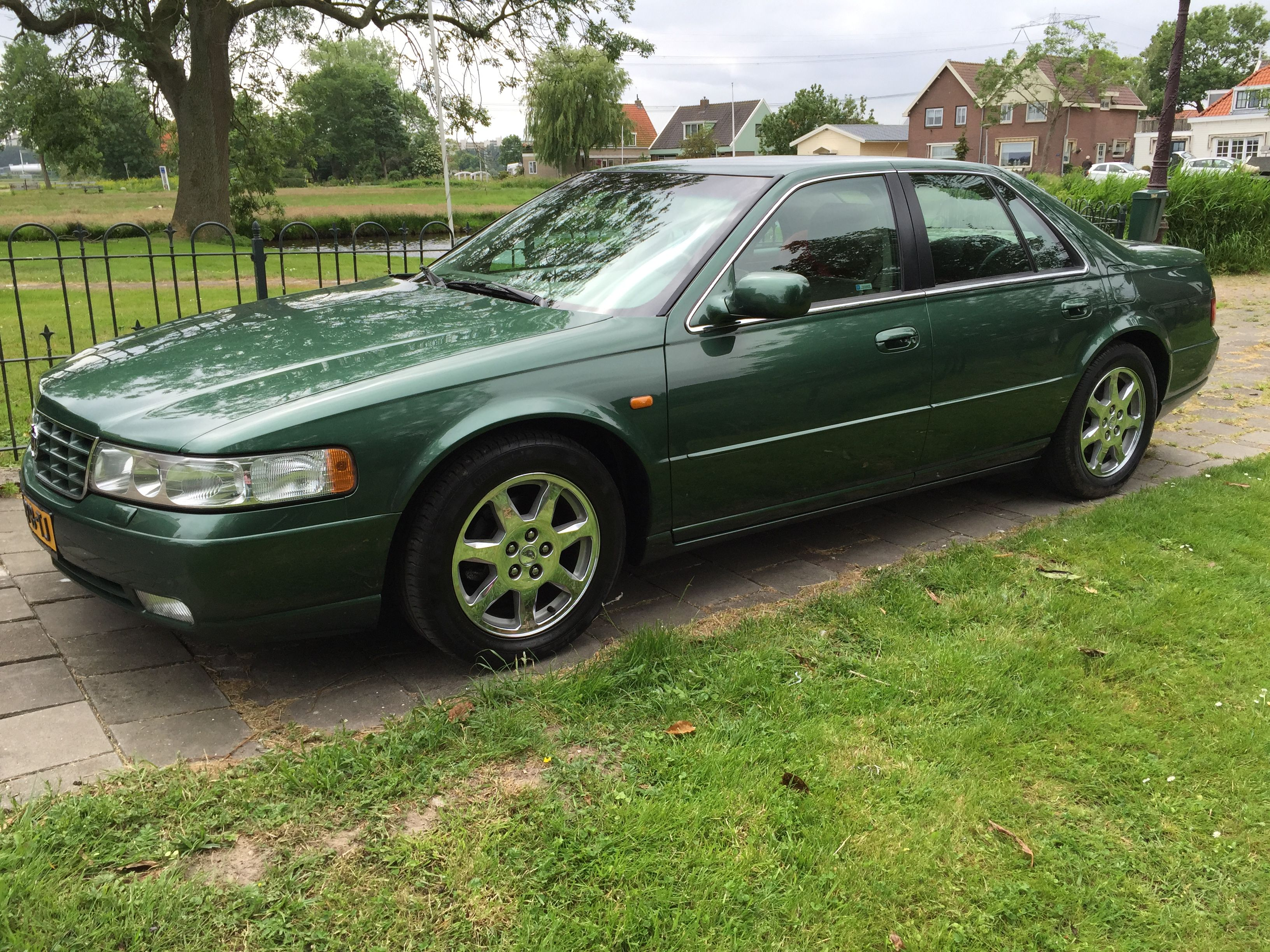 This Cadillac Seville / STS, 2004, is my latest. I bought this car