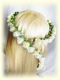 Znalezione Obrazy Dla Zapytania Wianek Na Komunie Z Kwiatow Zywych Floral Headband Wedding Hair Ornaments Bridal Hair