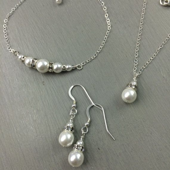 Pearl silver Set of necklace and earrings