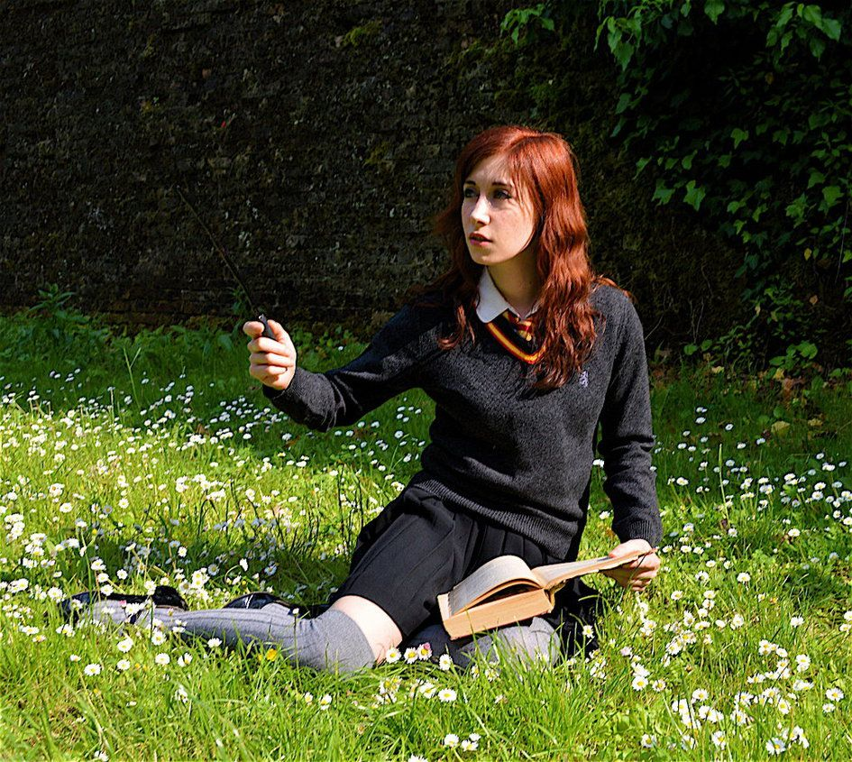Lily Evans Harry Potter By Nerdbutpro On Deviantart Harry Potter Cosplay Female Harry Potter Lily Evans