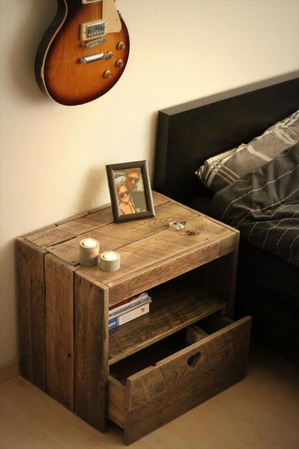 diy pallet nightstand idee deco maison pinterest. Black Bedroom Furniture Sets. Home Design Ideas
