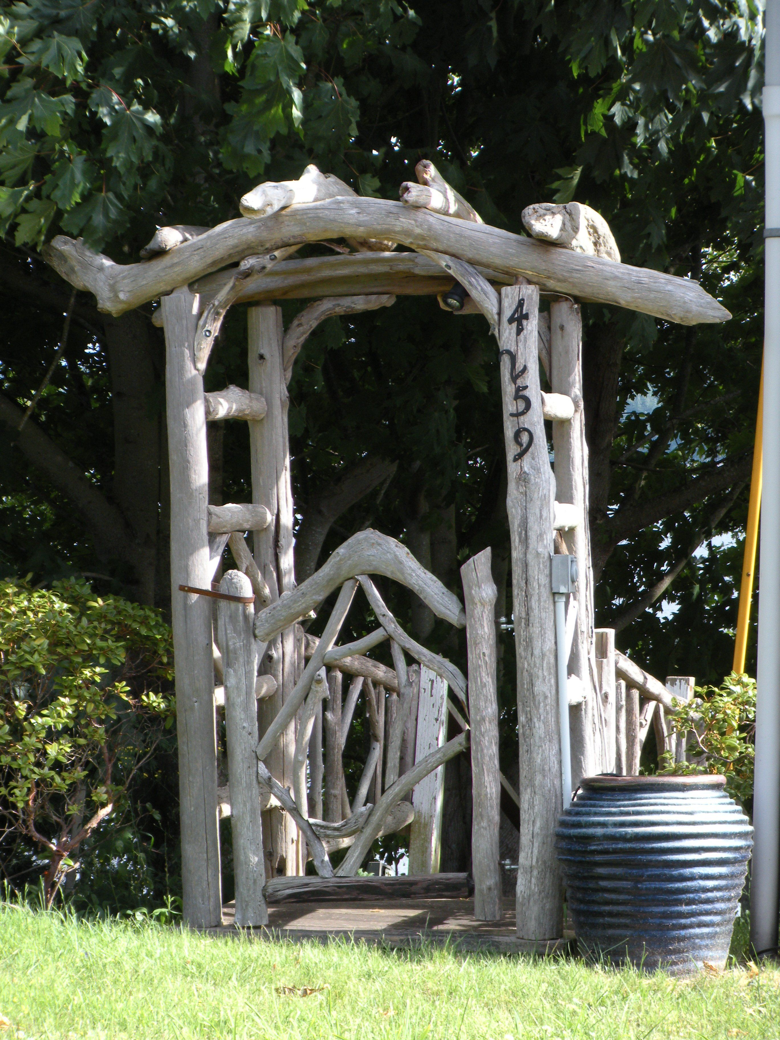 Driftwood Trellis On Whidbey Island Wa Garden Arches
