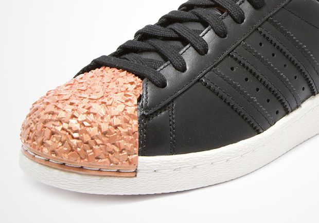 separation shoes 5e5cb 2efcf adidas Superstar Metal-Toe Features Materials Found In ...