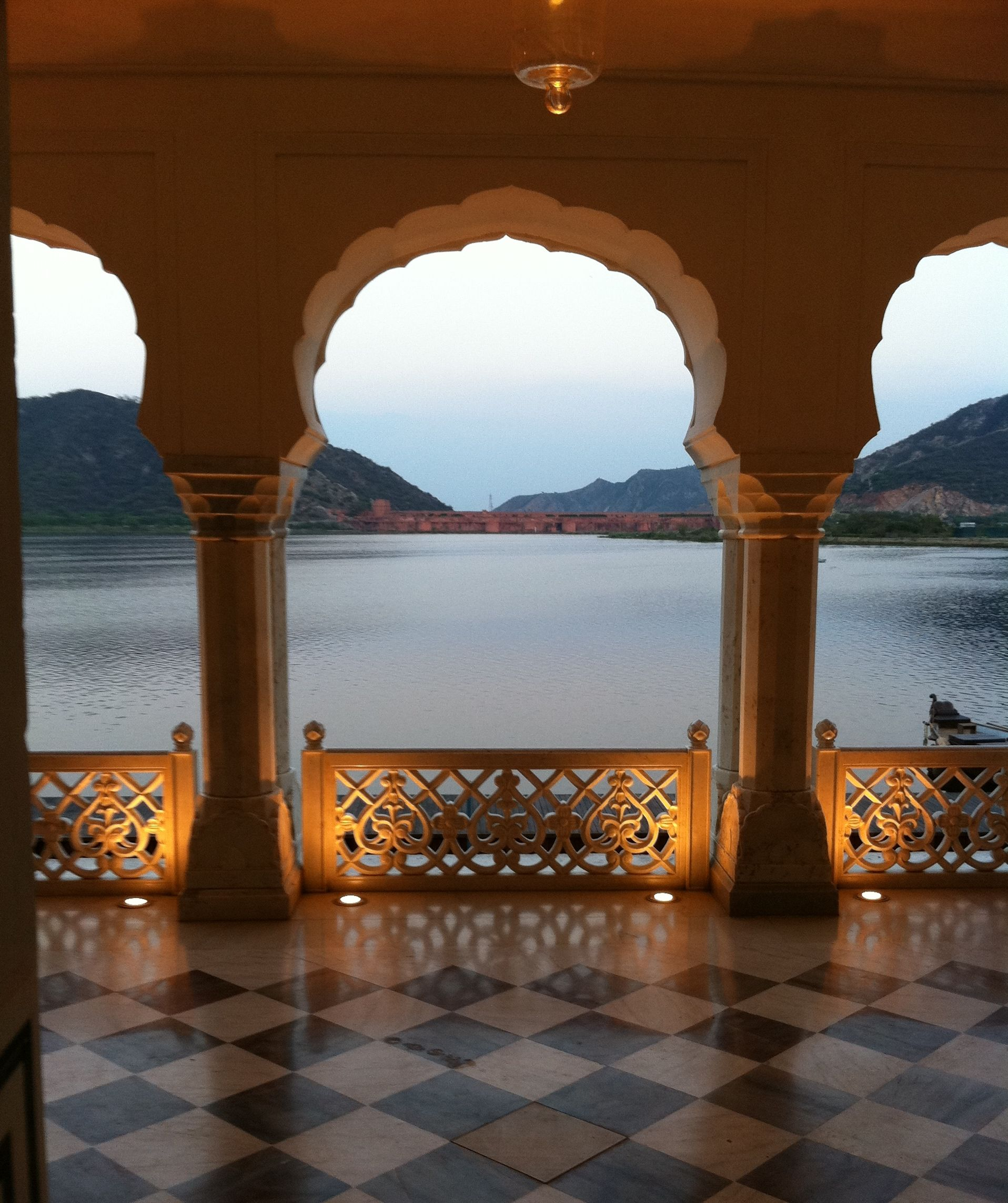 Jal mahal water palace hindu palace jaipur rajasthan for Decor india jaipur