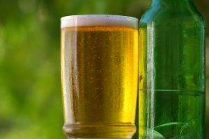 Beer adds protein to make hair shiny and make it feel thicker, and the essential oils enhance shine and manageability. Beer Hair Rinse  Source: SpaIndex.com | Spa Lifestyle Daily Recip...