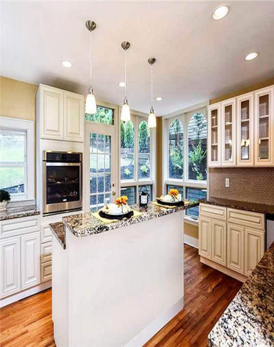 Best Charleston Antique White Kitchen Design Modern White 640 x 480
