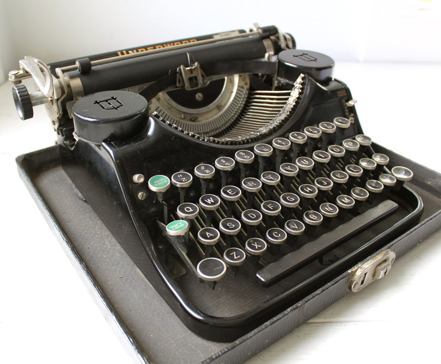 vintage Underwood typewriter. 1930s Universal Portable F