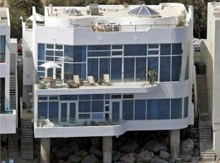 Malibu Ca Halle Berry S Owns An 8 Million Estate In