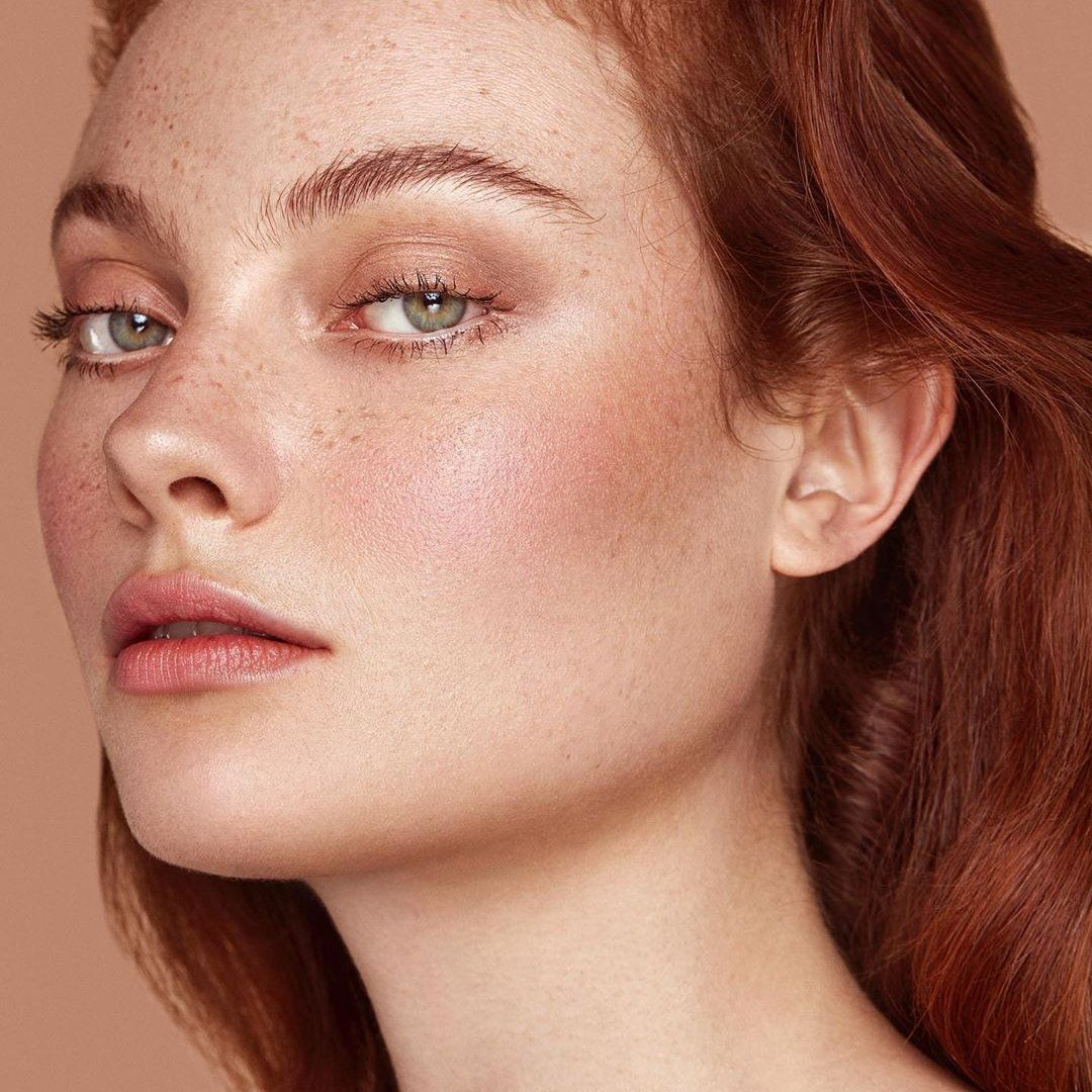 7 Awesome Makeup Tips for Thin Lips in 2020 Photo
