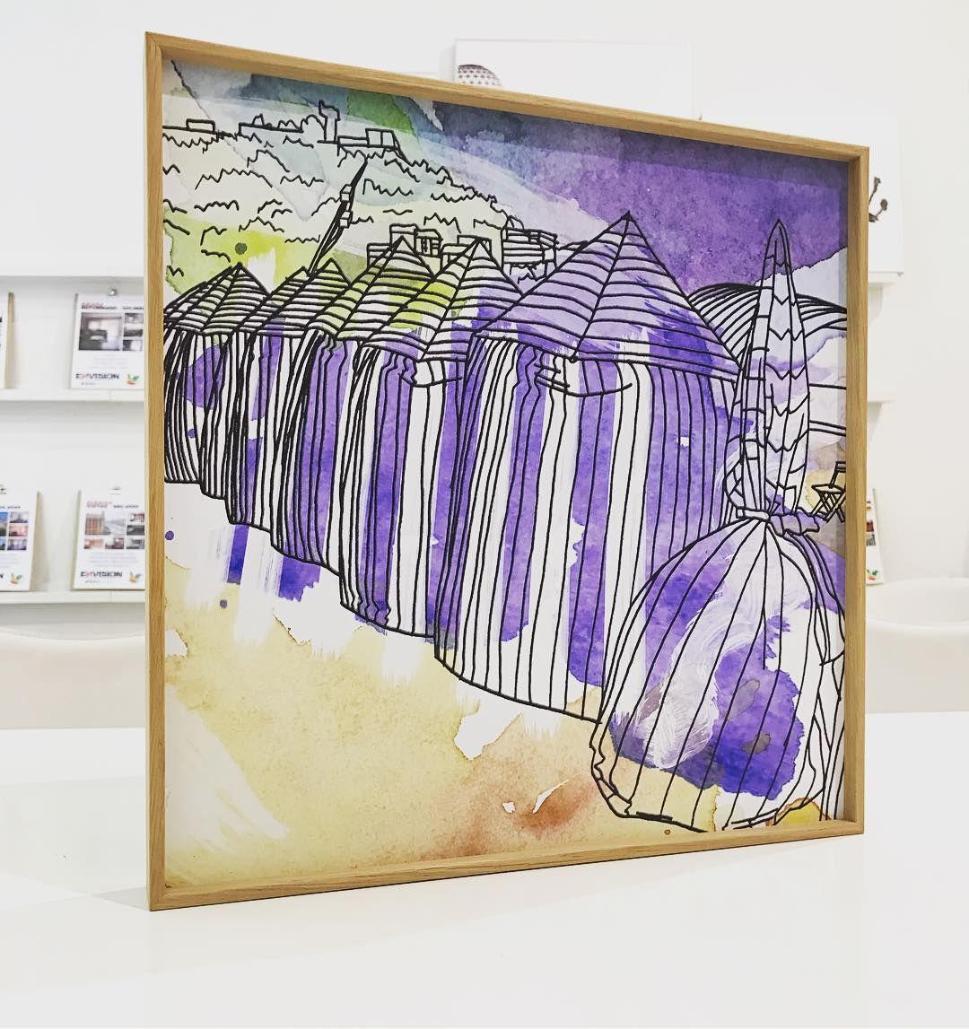 No quería hacerlo pero voy a ir vendiendo mis cuadros de #donostia #sansebastian porque me ocupan demasiado espacio... este es una maravilla. Impreso en plancha de aluminio con marco de aluminio imitación madera. 35x35cms. El primero que lo pida se lo queda. 30