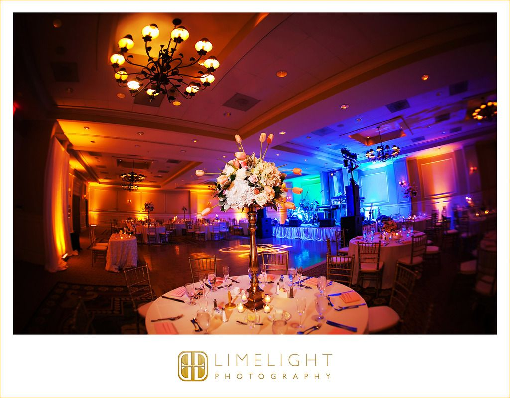 Emby Suites Tampa Convention Center Wedding Reception Limelight Photography Www Stepintothelimelight