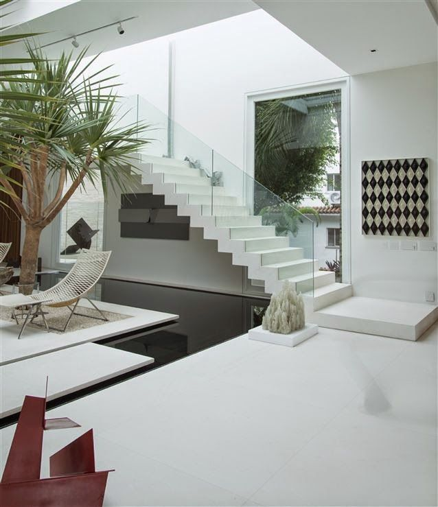 Best 30 Salas Decoradas Com Escadas Encostadas Na Parede 400 x 300