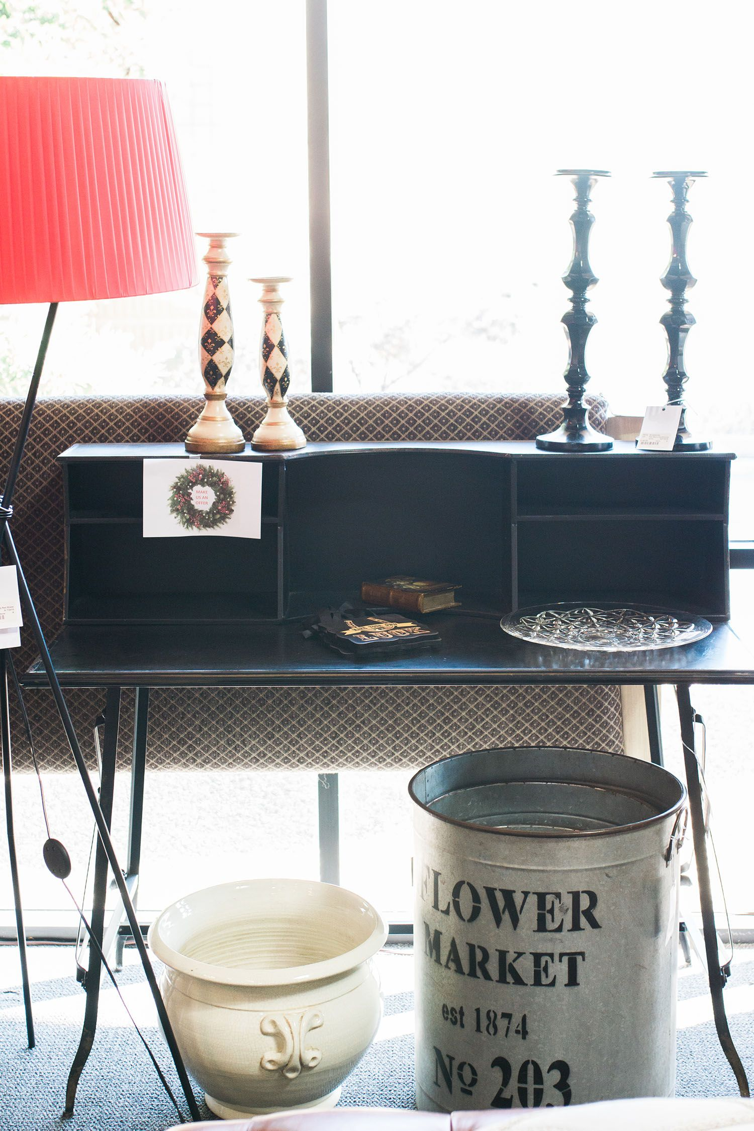 Scottsdale Furniture Consignment, Antiques, Artwork And Home Accessories.
