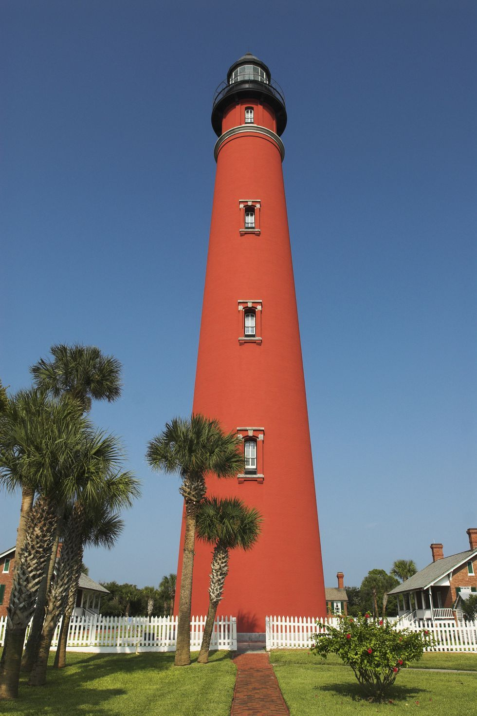 35 of the most beautiful lighthouses in america
