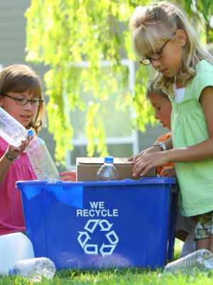 5 recycling tips to teach your kids how to be eco-friendly. Ideal for preschoolers.