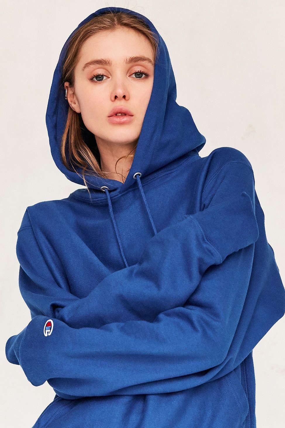 a1a719e65840 Champion Reverse Weave Hoodie Sweatshirt - Urban Outfitters Zimní Móda