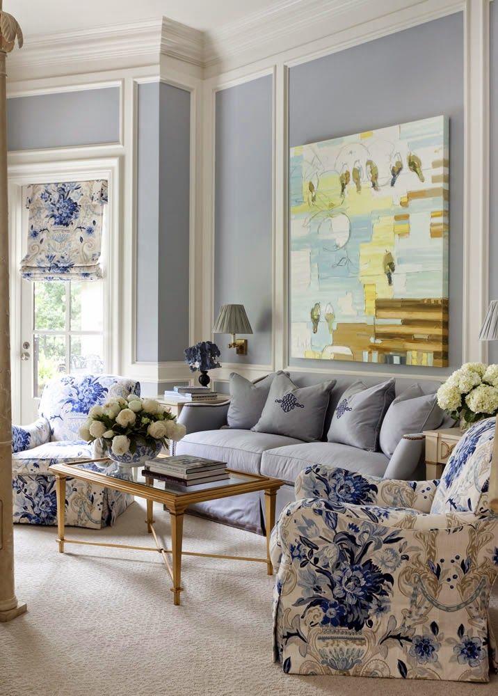 Decoraci n clasica y elegante en blanco y azul salas y for Casa clasica moderna interiores