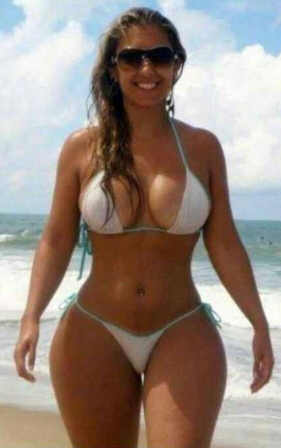 Love em' curvy, flirty and down to get dirty! !