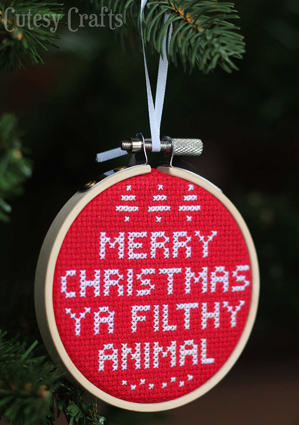 Photo of Cross Stitch Christmas Ornament from Home Alone – DIY Candy