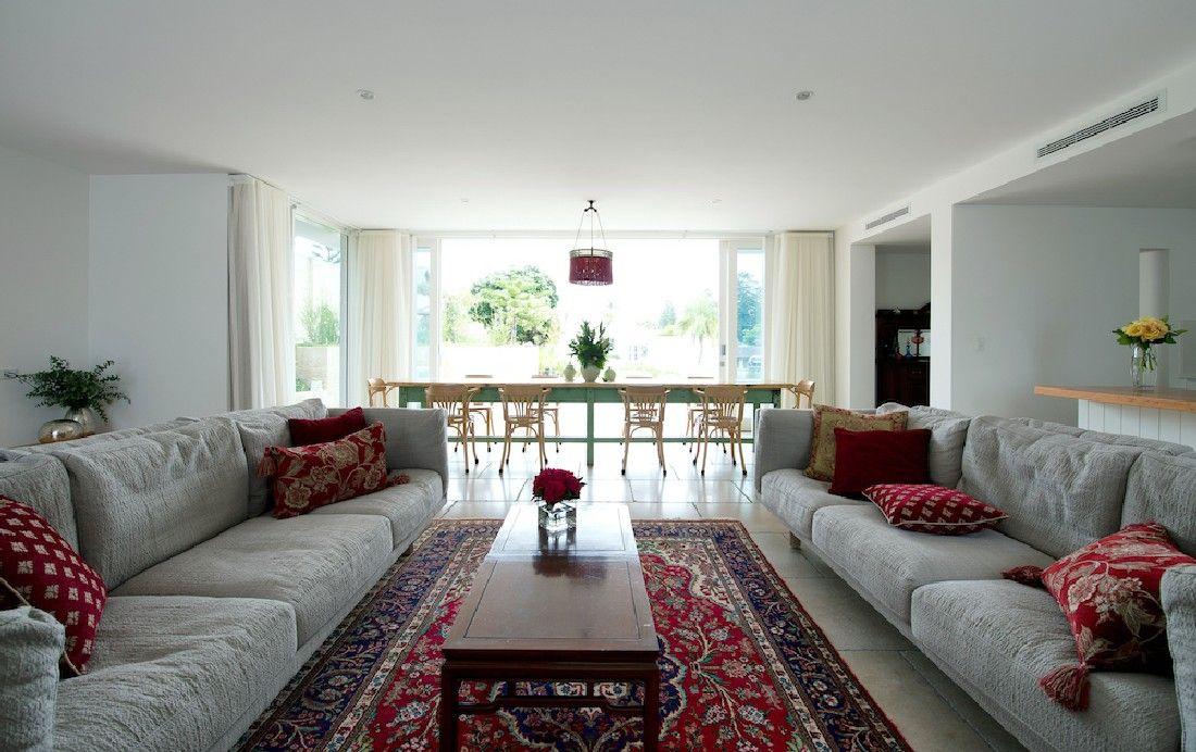 Eco Friendly Home in Australia Designed for Socializing