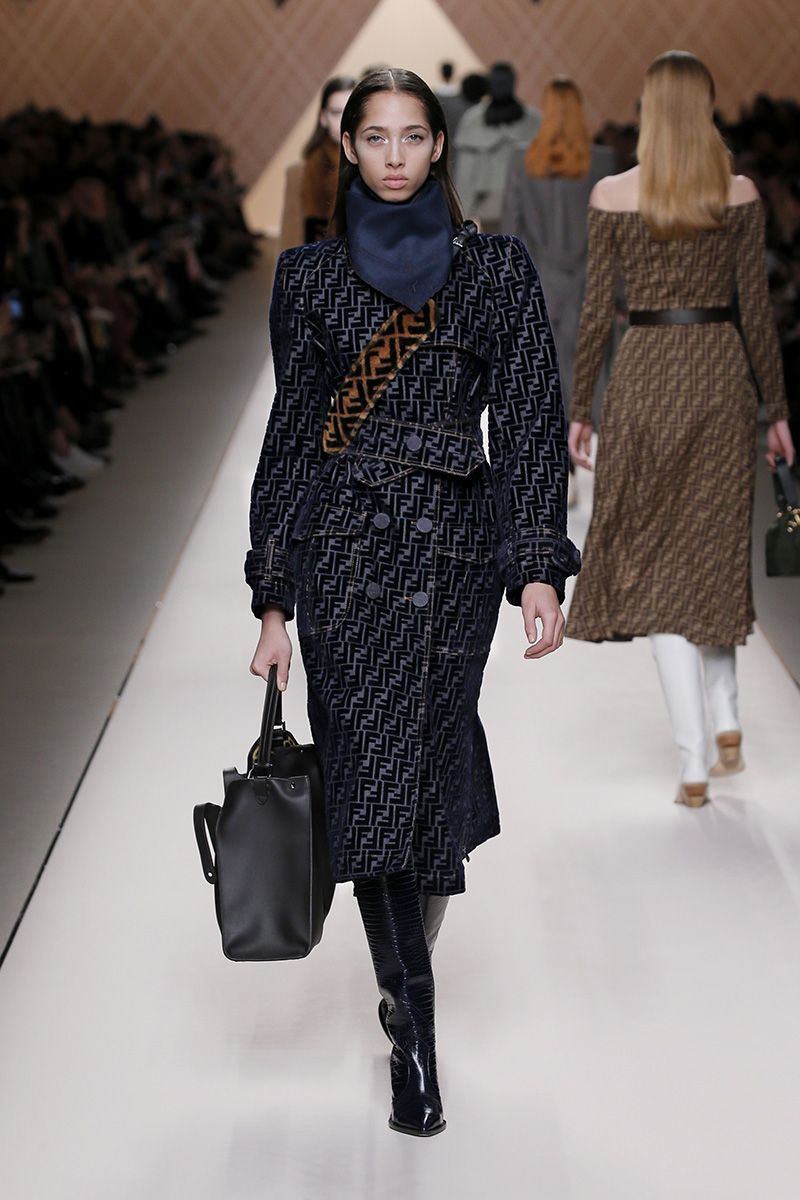 f19e24e474dfdf Fendi Fall Winter 2018-19 Fashion Show