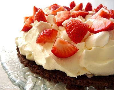 Vaaleanpunainen Nonparelli: Hyydytetyt kakut ja juustokakut