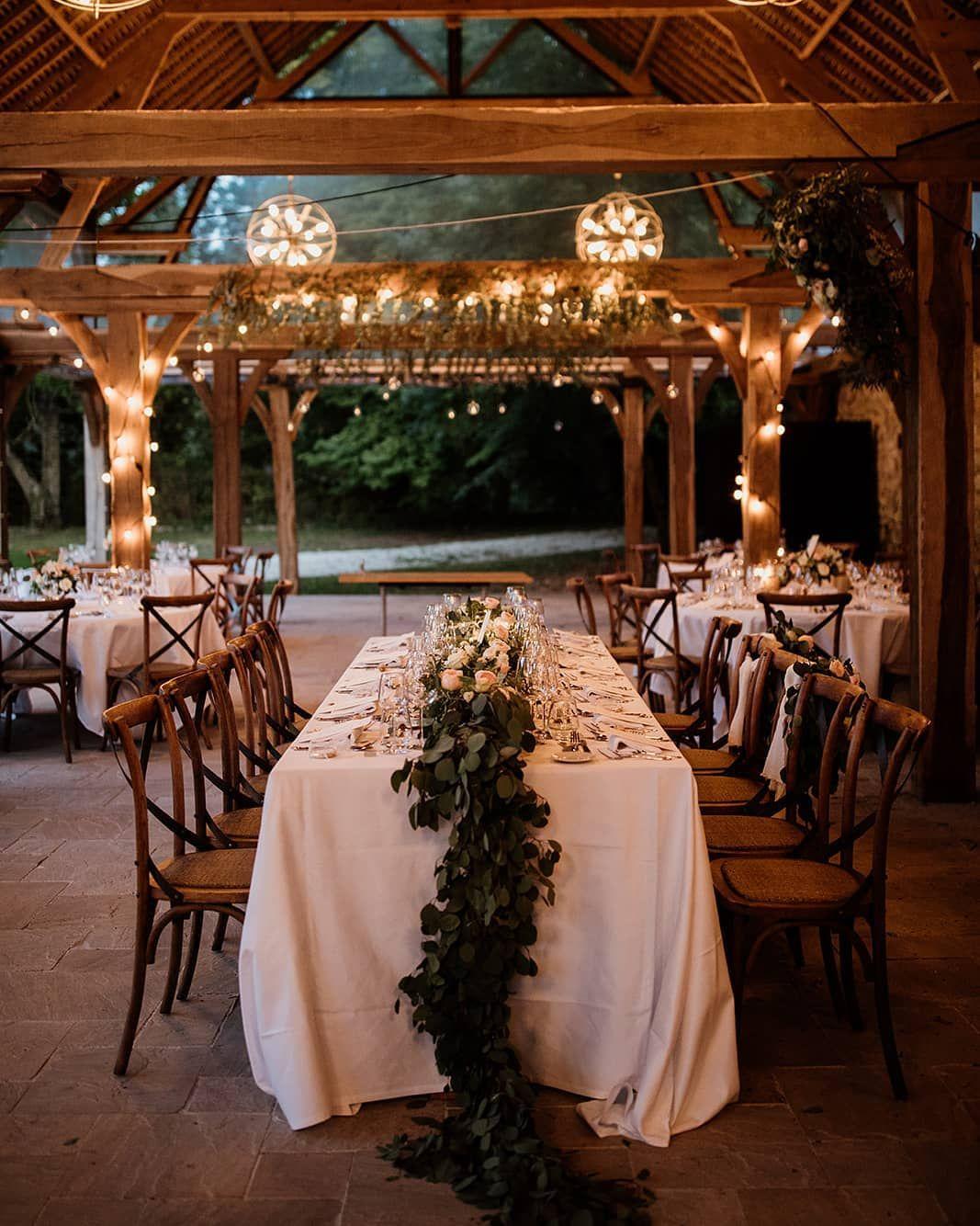 La Jolie Table Romantique Chic Decoree Par Fleursjing Les Cocottes Events Photo Coralielescieux Traiteur Grandchem En 2020 Table Romantique Traiteur Romantique