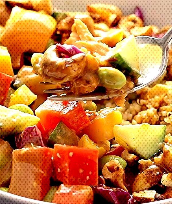 Quinoa Crunch Salad! Crunchy rainbow veggies, juicy fresh mango, fluffy quinoa, chili lime cashews,
