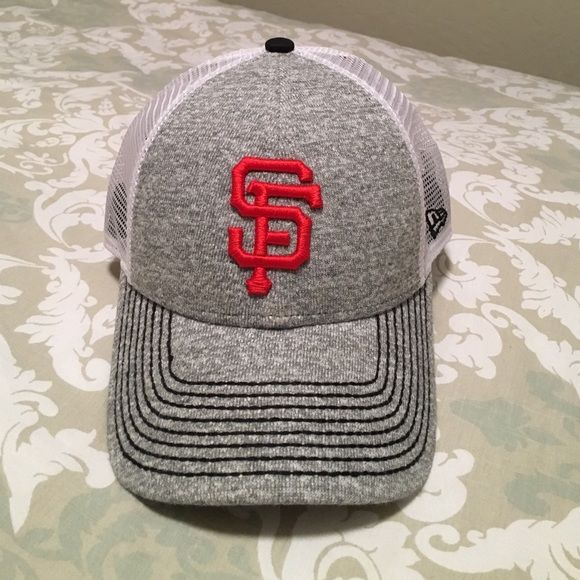b22cfab458a San Francisco Giants baseball hat Condition only worn once this is a  adjustable mesh back baseball cap with heather gray cloth in front black  stitching with ...