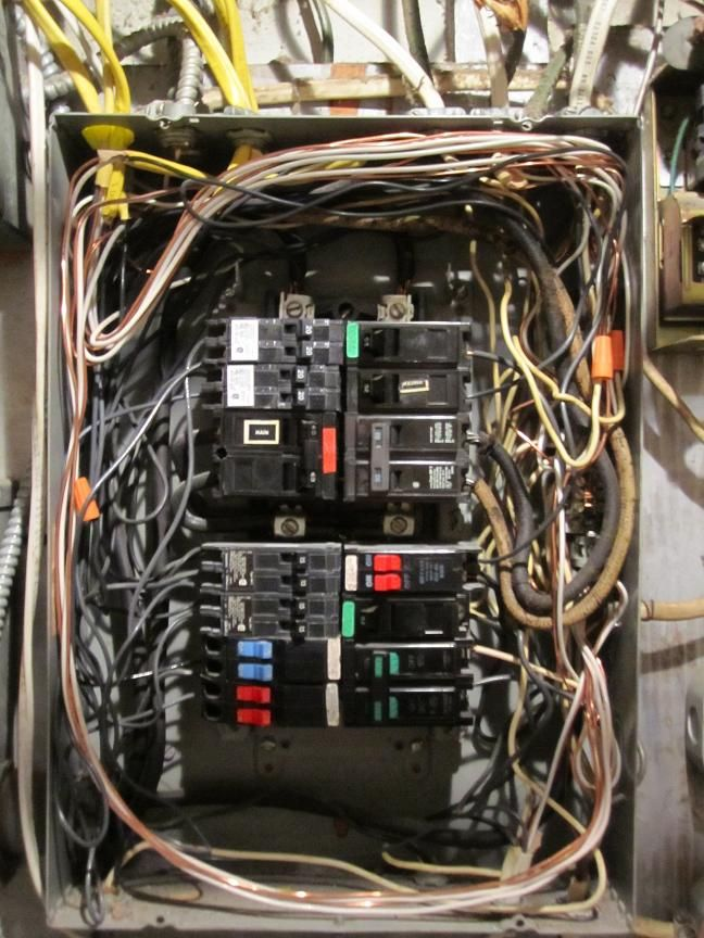 this panel looks like a stomped turd over crowded messy wiring job rh pinterest com electrical panel wiring jobs glasgow electrical panel wirer jobs