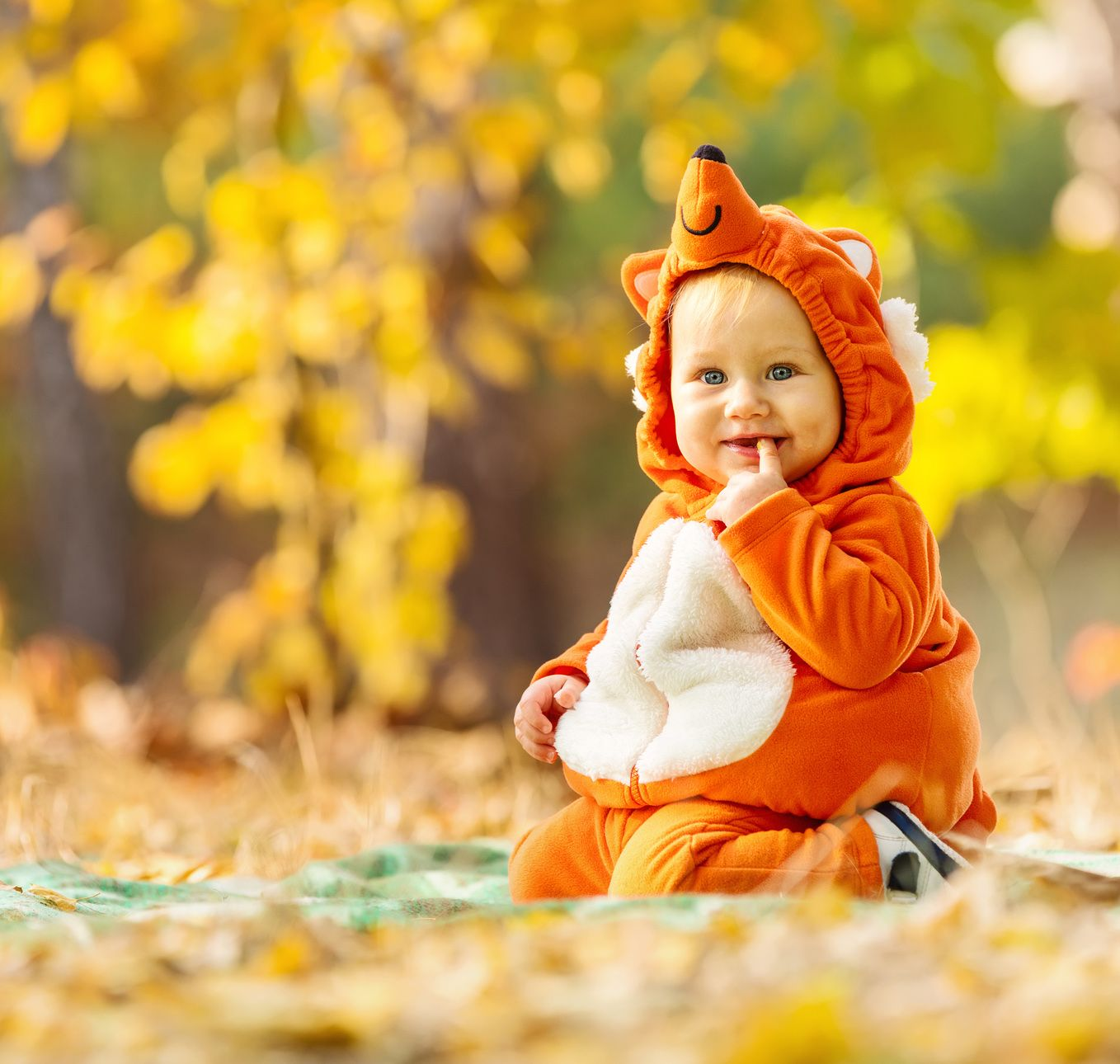 20 BabySized Halloween Costumes For Your Little One