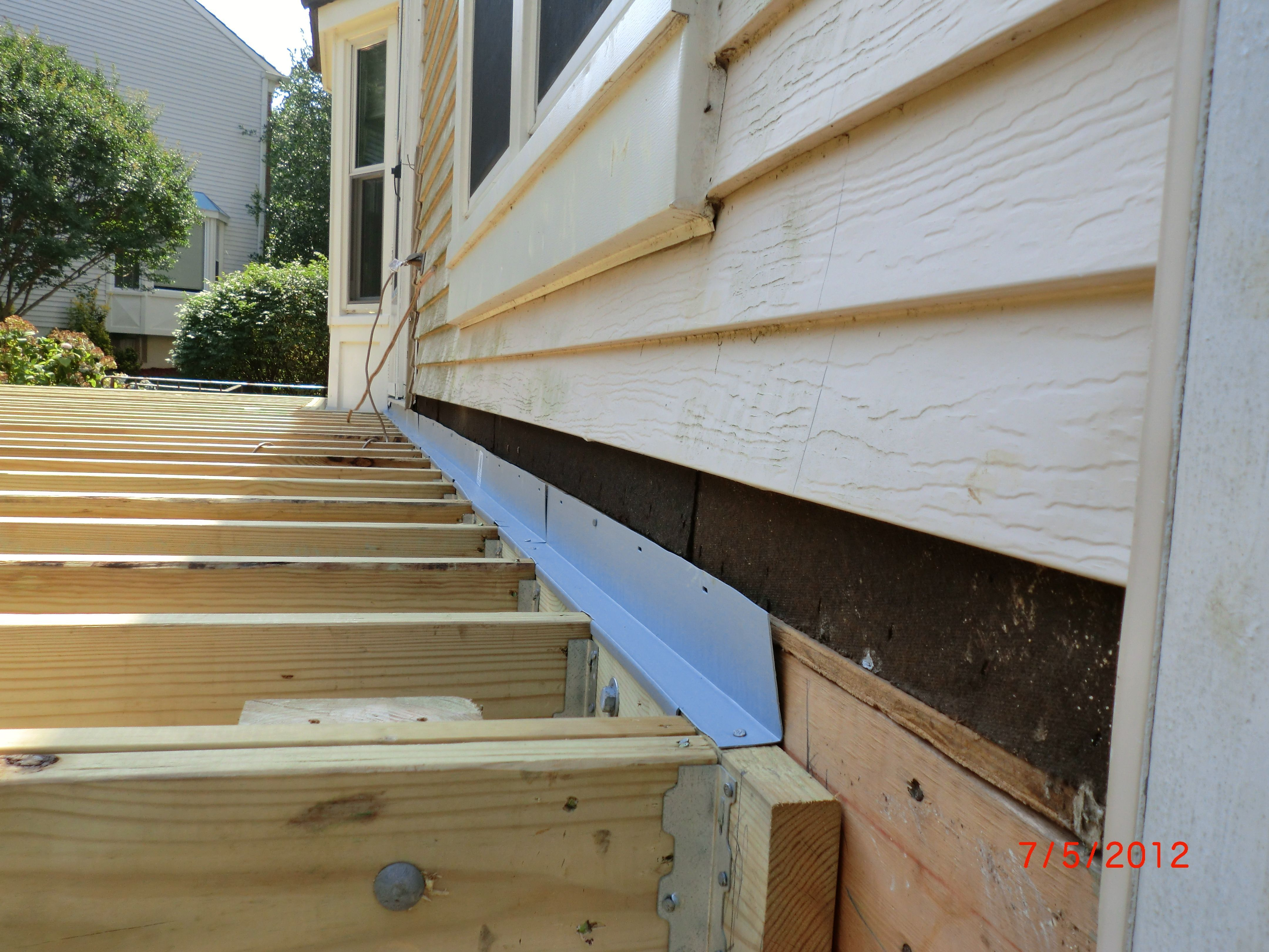 Building A Deck Step By Step Step By Step On How To Build A Deck With A Screen Porch Deckbuildingideas Deckbuildingstep Deck Steps Building A Deck Diy Deck