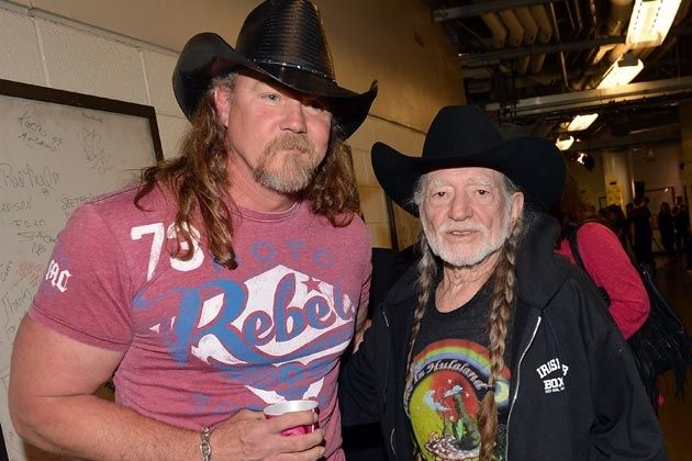 Great photo of Trace and Willie. #Country