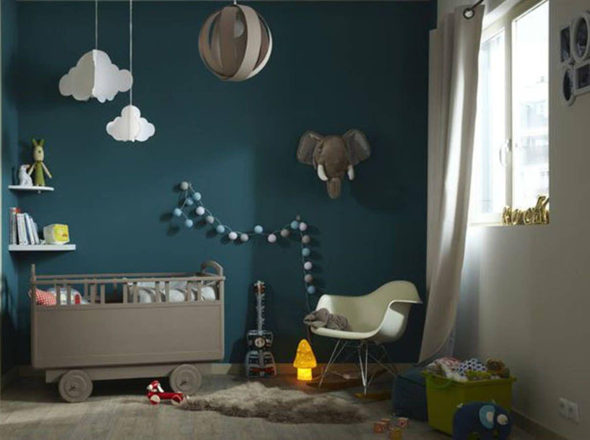 Chambre de bébé : 18 idées qui changent du bleu pour un garçon