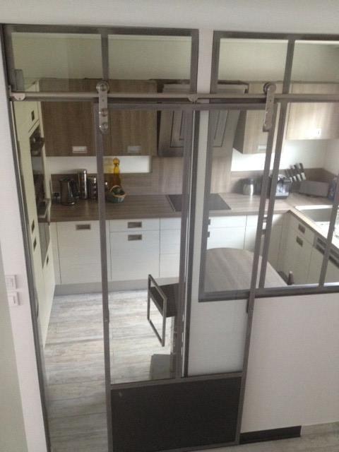 verri re entre couloir et cuisine verri res d 39 int rieur ghislain veranda pinterest. Black Bedroom Furniture Sets. Home Design Ideas